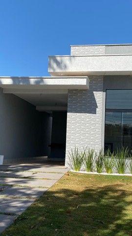 Linda Casa de 3 quartos com suíte - Foto 2