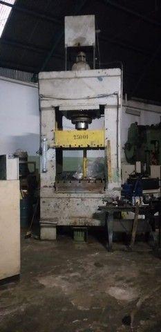 Prensa Hidráulica, Capacidade 250 Ton Mesa : 1200mm X 1200mm