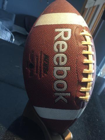 Bola Futebol Americano Reebok - Esportes e ginástica - Calafate ... 66ed5f2393f8c