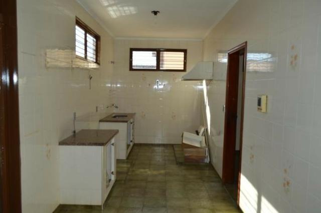 Casa em batatais,3 dormitorios,1 suite, piscina, sauna e varanda gourmet, região central - Foto 4