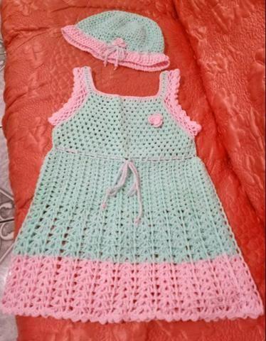 Vestido Infantil Com Touca em Crochê
