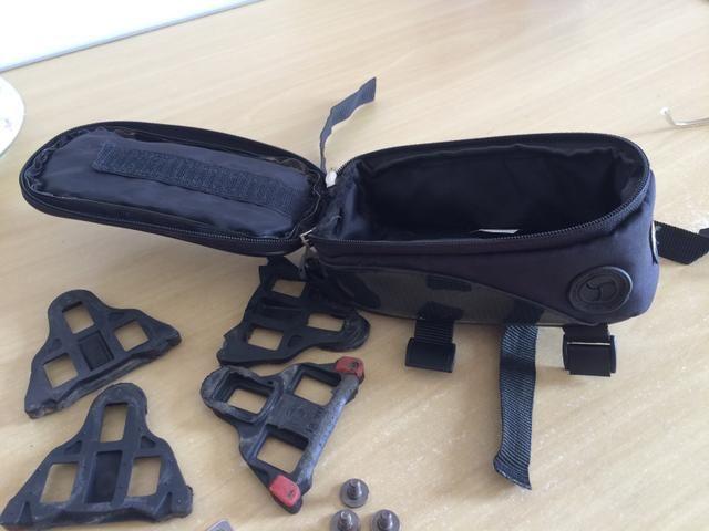 Velocímetro para bike sem fio e bolsa porta celular
