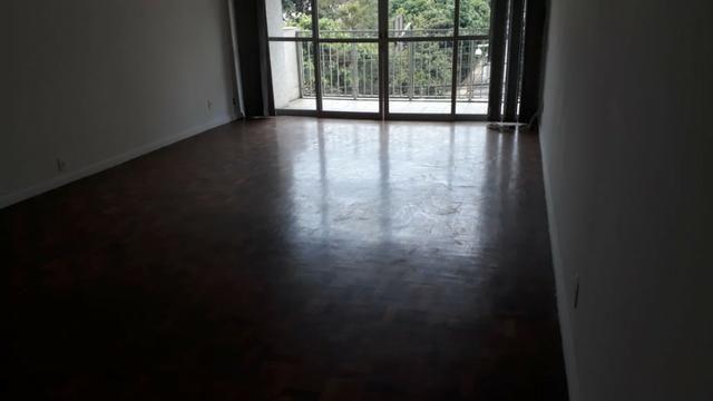 Apartamento 3 quartos, sendo 1 suíte-Com vaga -Centro-Petrópolis
