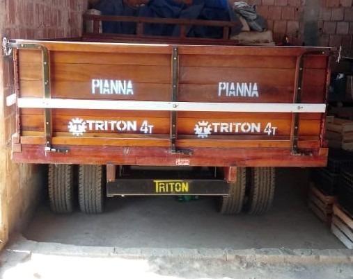 Carreta de Madeira Triton