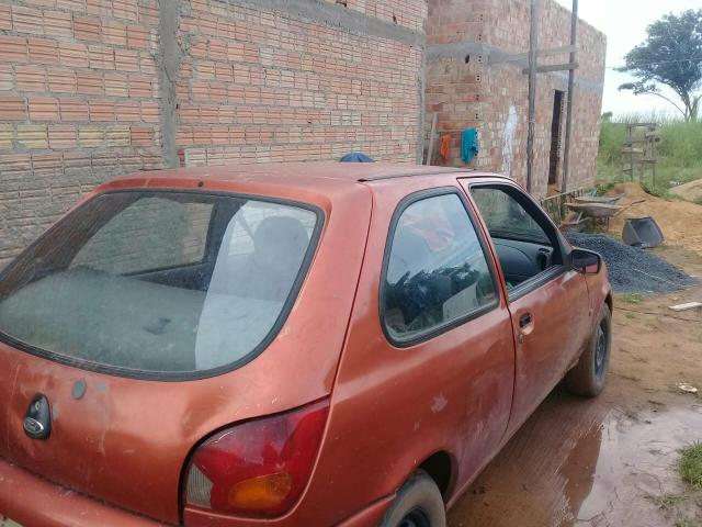 Vende-se um ford fiesta 3500