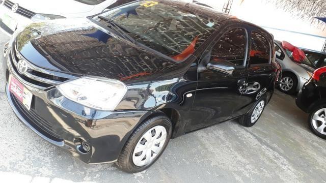 Toyota Etios 1.3 X hatch 2013/13 novo