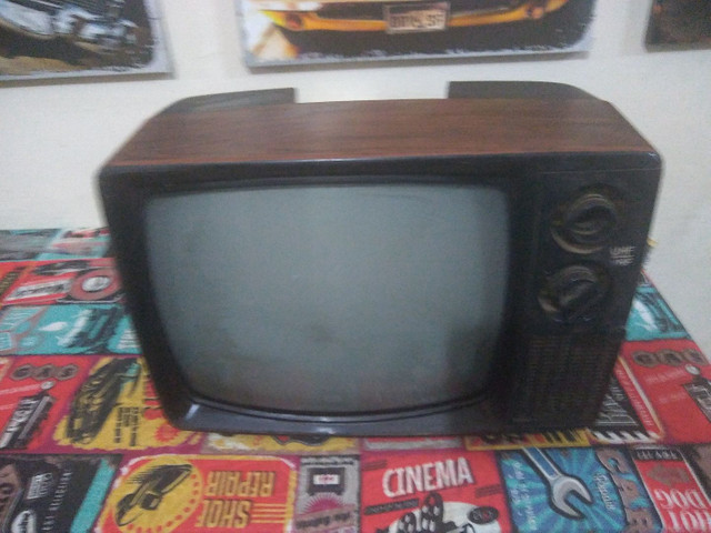 Tv antiga anos 70.s