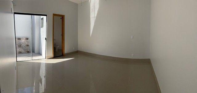 Linda Casa de 3 quartos com suíte - Foto 8