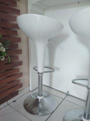 Mesa balcão de 1.50cm e 3 cadeiras bar - Foto 3