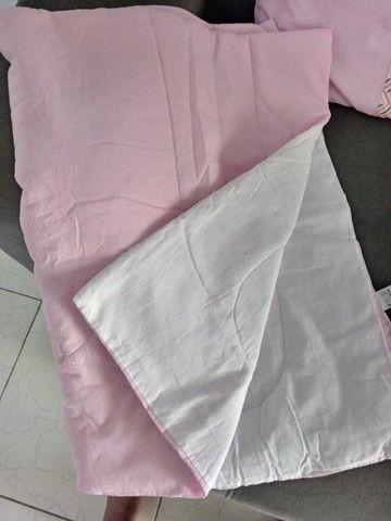 Kit berço com 8 peças chanfrado rosa e cinza - Foto 3