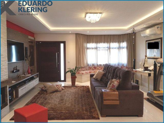 Casa de Alto Padrão, com 3 dormitórios, 3 banheiros, jardim com piscina, 399,48m² - Foto 8