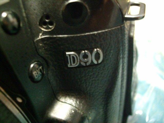 Câmera  Nikon D90 c/ obj Nikon 18-55mm  - Foto 2