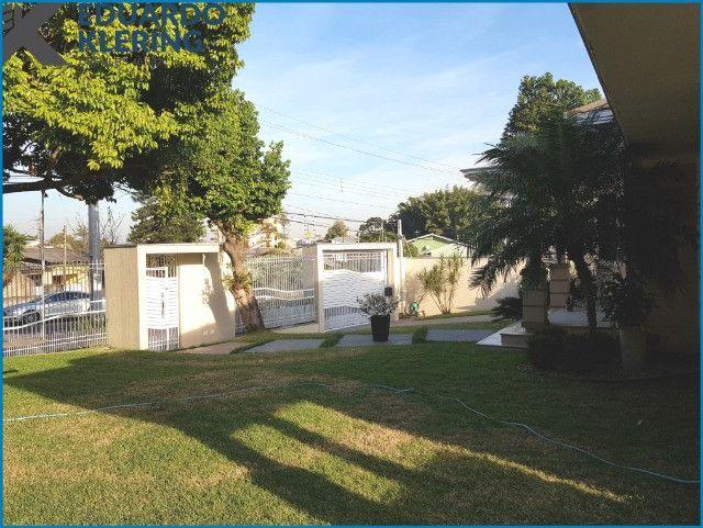 Casa de Alto Padrão, com 3 dormitórios, 3 banheiros, jardim com piscina, 399,48m² - Foto 6