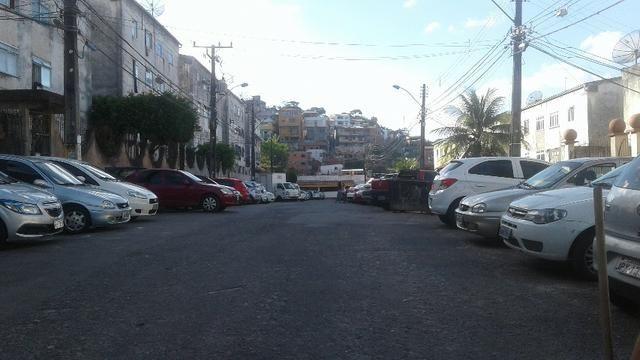 Apartamento 2/4, no Vale dos Lagos, rua Professor Milton Santos, São Marcos