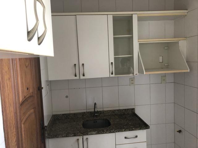 Apartamento 2/4 com dependência, reversível 3/4, localizado - Foto 9