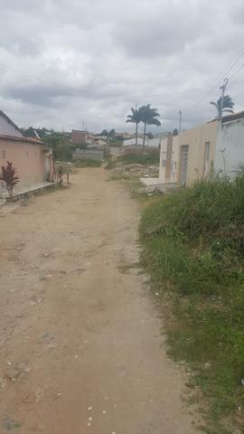 Vendo esse terreno na rua carlos aleluia barrio rua da umburana - Foto 3