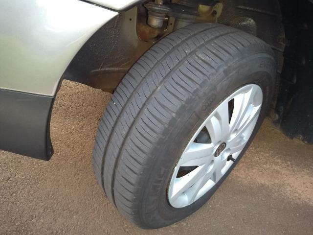 Volkswagen Gol 1.0 Trend (G4) (Flex)8V 4 Portas - Foto 8