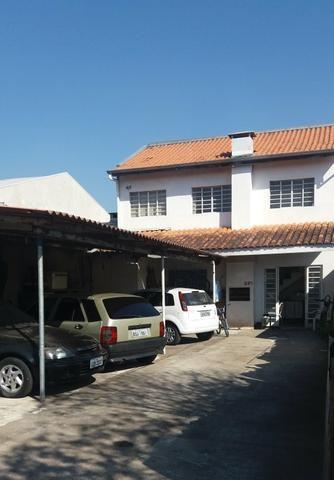 Sobrado em Pinhais vendo ou troco por casa térrea ou apartamento - Foto 3