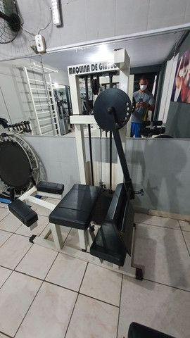 Maquina Glúteos 4 apoio - Foto 3