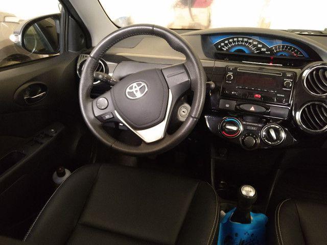Toyota Etios XLS 1.5 Flex 16V 5p Mec. Ano 2015 - Foto 4