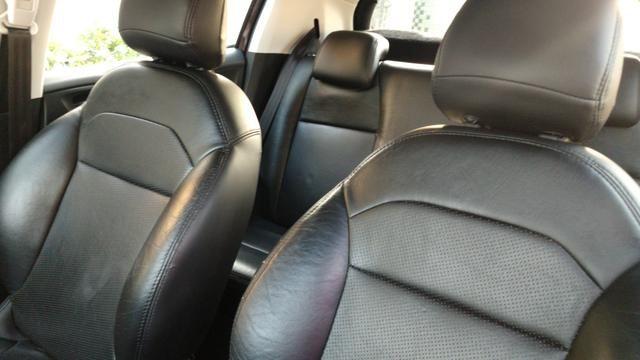 Peugeot 208 - Foto 10
