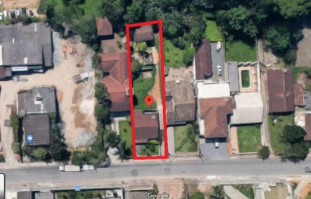 Área de 900m² com 3 edificações localizada perto do BKR festas no Floresta em Joinville
