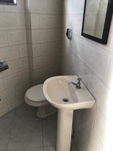Centro 02 quartos, 02 banheiros, sem garagem. Próximo a Cidade das Crianças e UFF - Foto 8