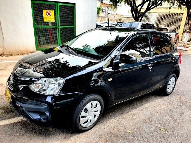 Etios Hatch XS 1.5 Atutomático 16.000 km