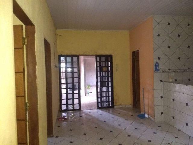 Vendo uma casa quitada na rua F23 Cidade Jardim Parauapebas PA - Foto 3