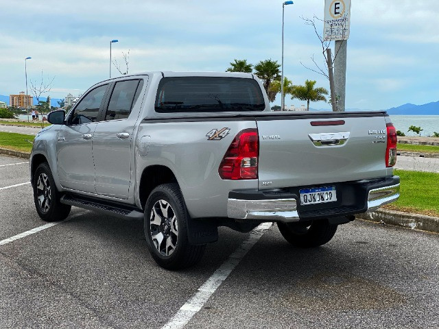 Toyota Hilux SRX Diesel 50th Annyversary - Foto 4