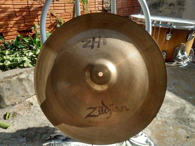Prato zildjian zbt 16    350 reais