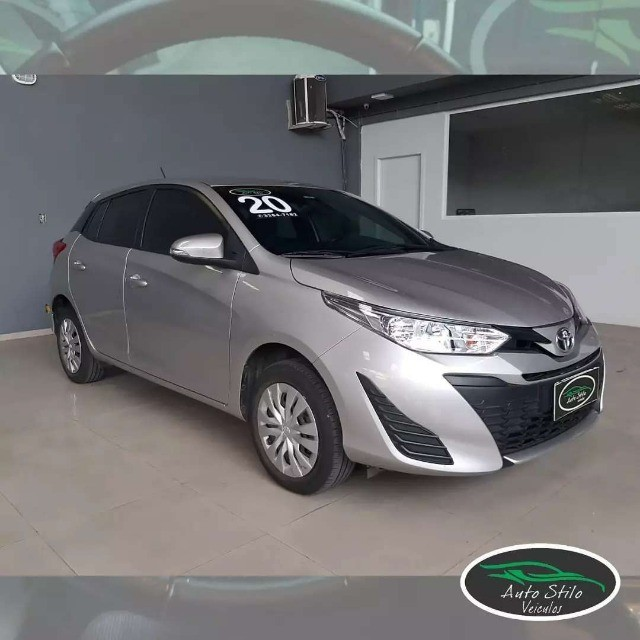 Toyota Yaris live Prata  2019/2020 Completo  - Foto 2