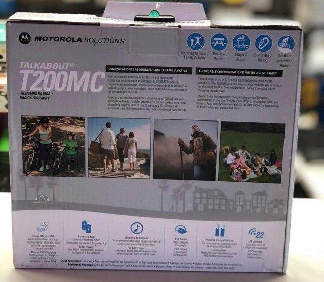 Rádio Comunicador Motorola T-200MC 20 Milhas / 32 km Bivolt - Preto / Cinza - Foto 2