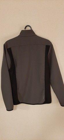 Jaqueta de softshell Quechua - nova - sem uso - Foto 2