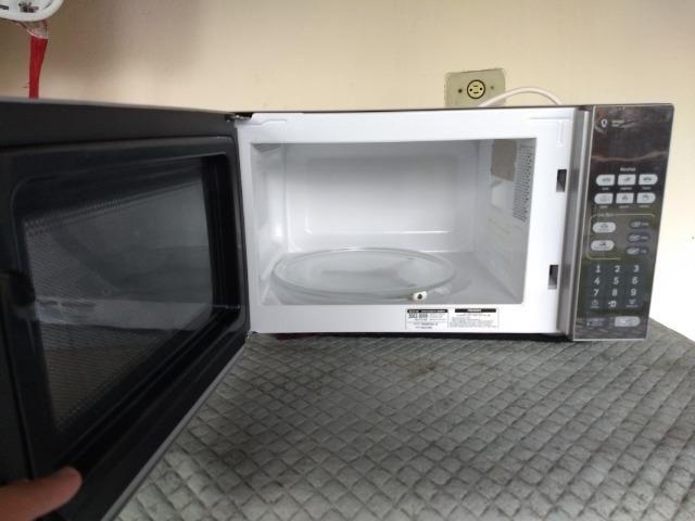 60fa8adc3 Micro-ondas Consul 20 Litros cor Inox Espelhado com Função Descongelar -  110V