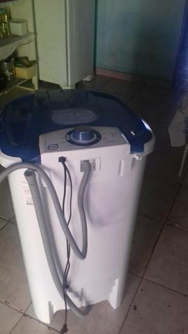 Vende-se Maquina d Lavar semi Nova abaixo do Preço Avera Descontos$$$