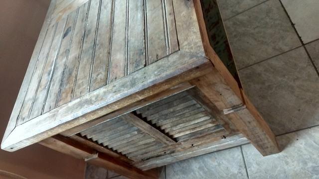 Mesa rustica! troco por sofa bom estado - Foto 2