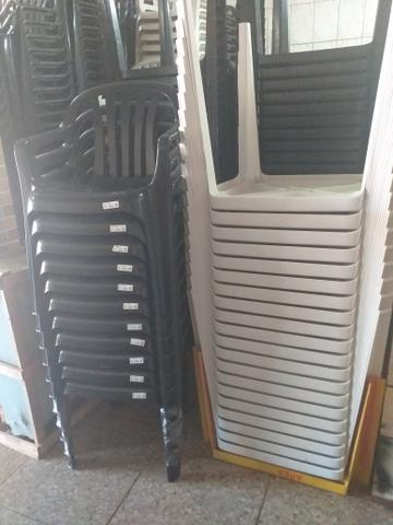 Jogos de mesas pra 180 kg 174 reais cada  - Foto 2