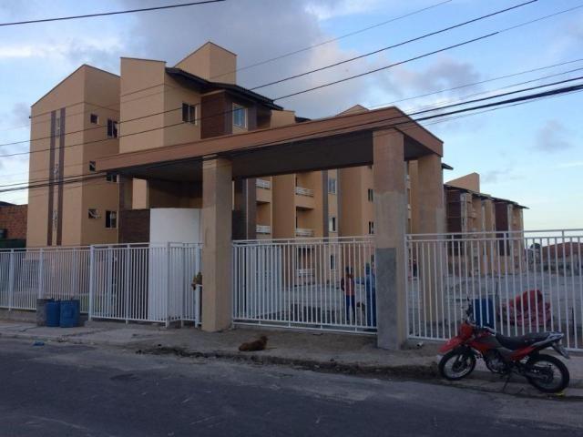 Apartamento residencial à venda, Montese, Fortaleza - AP2634.