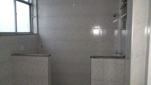 Apto 2 Quartos e Sala em L Podendo Fazer + 1 Quarto em frente ao Banco do Brasil Ac. Carta - Foto 7