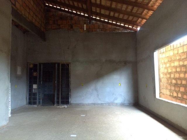 Vendo uma casa quitada na rua F23 Cidade Jardim Parauapebas PA - Foto 6