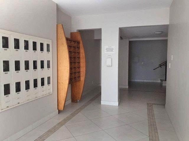 Aluguel apartamento mobiliado 2 dormitórios com garagem Itacorubi Florianópolis - Foto 2