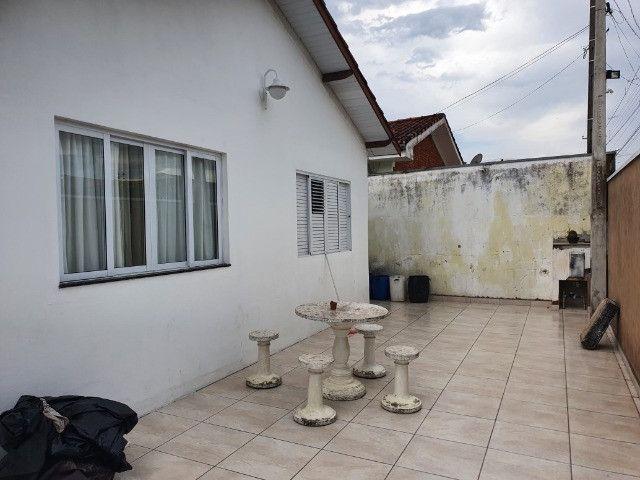 Casa em bairro de fácil acesso