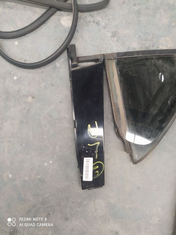 Acabamentos da porta traseira esquerda Mercedes a200  - Foto 2