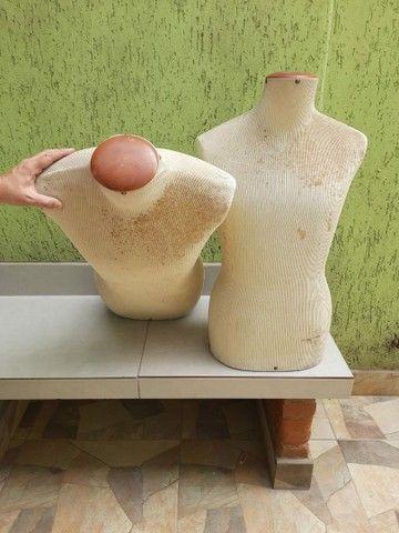 Manequim busto em fibra coberto com tecido  - Foto 3
