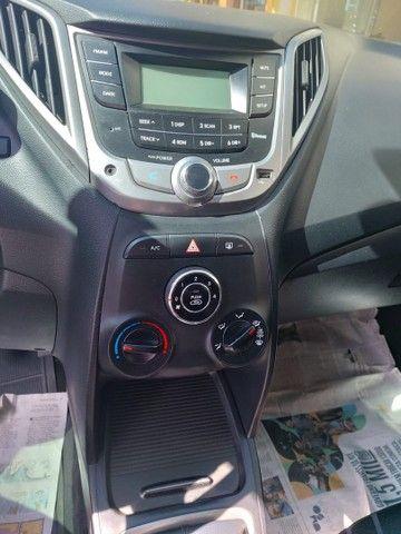 Vendo HB20 1.0 Comfort 2014 - Foto 5