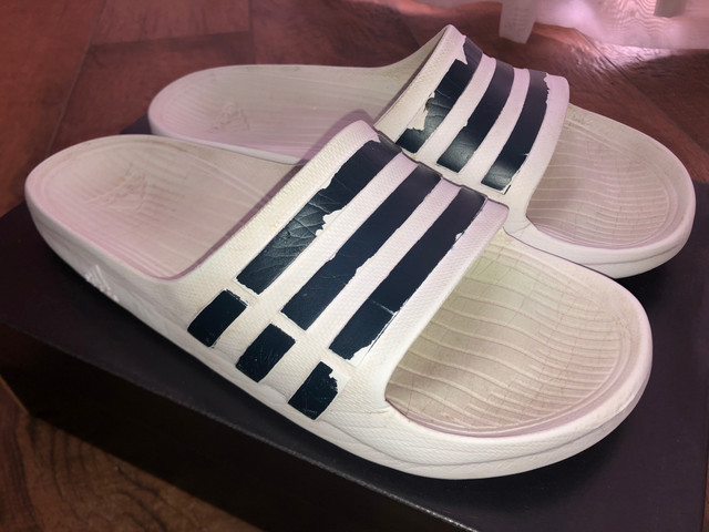 Chinelo Adidas Originals Adilette