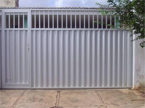 Portão de garagem feito por encomenda *