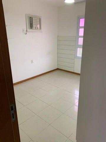 Casa de condomínio para aluguel e venda possui 185 metros quadrados com 4 quartos - Foto 13