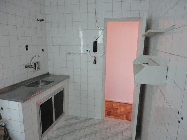 Apartamento com vaga de garagem, composto por sala, 2 quartos, banheiro social, cozinha, á - Foto 15